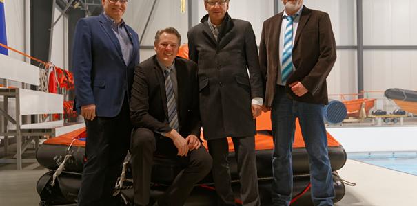 Wirtschaftsminister Buchholz besucht GreenTEC Campus in Enge-Sande